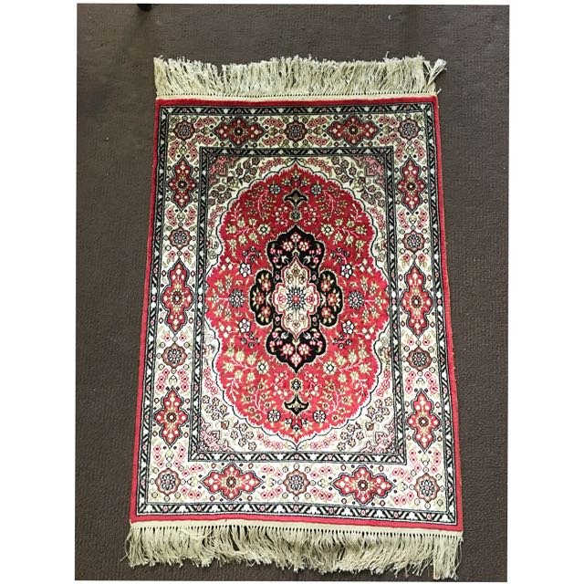 Handmade Pure Silk Carpets