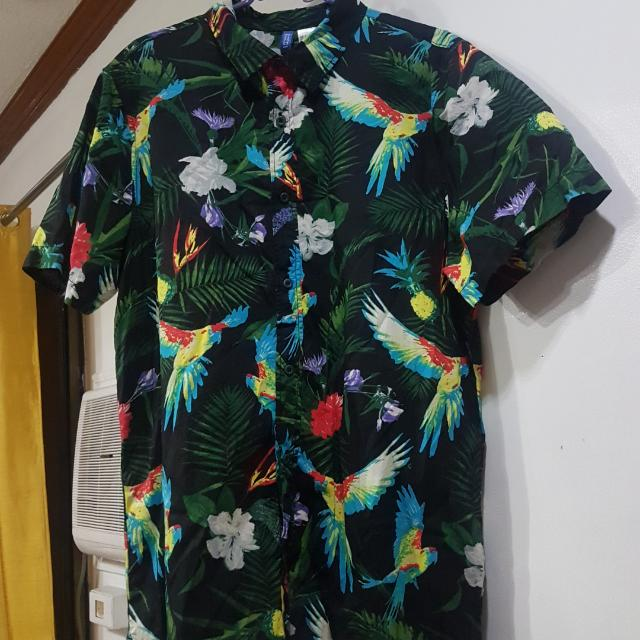 H&M Men's Hawaiian Polo - Washed But Not Worn Size US Medium