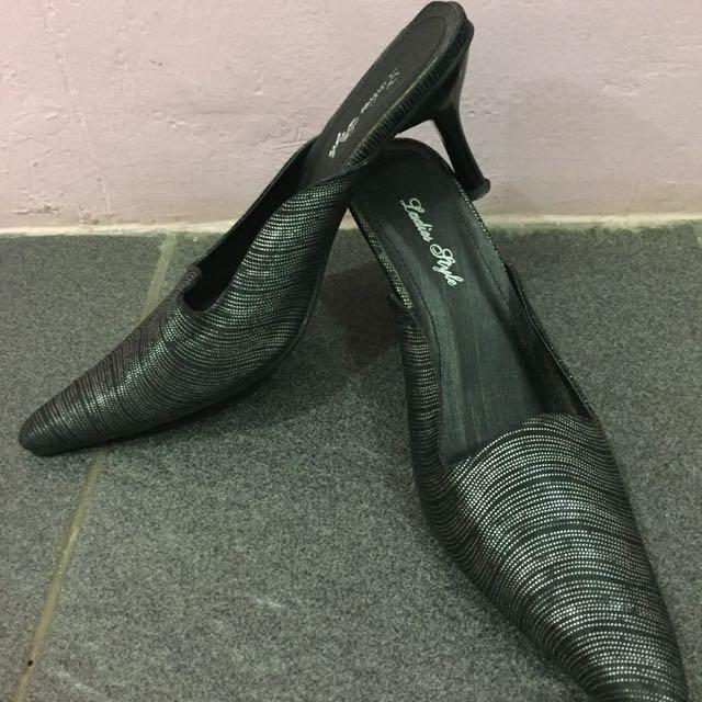 Preloved Sepatu Pesta