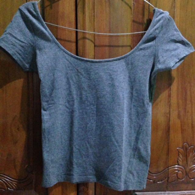 Pull&Bear Tshirt croptop sabrina