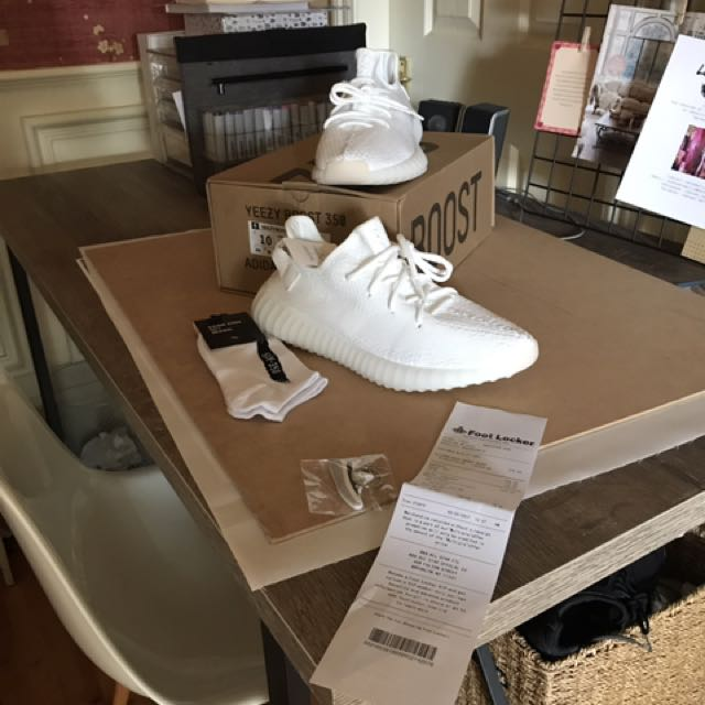 SIZE 10 YEEZY BOOST TRIPPLE WHITE