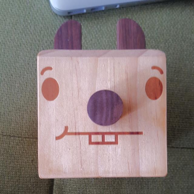 Tofu 原木手機架 眼鏡架 小物收納