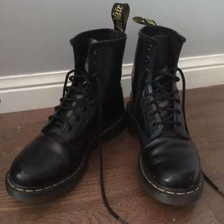 Dr. Marten Black Combat Boots