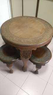 Antique walnut wooden coffee table with 4 stools.