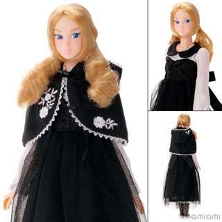 [Pre-order] Momoko Doll Black Riding Hood Complete Doll