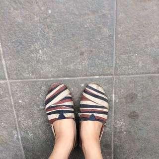 J&M Shoes