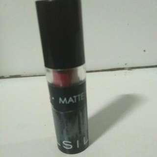 Lipstik Matte Silky Girl (06 Exotic Wine)