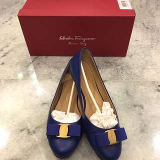 Like New Ferragamo Varina Flats In Cobalt Blue