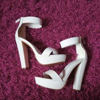Size 38 White Leather Block Heels