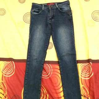 Celana Jeans 989