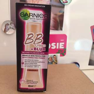 Garnier BB Cream + Blur Medium