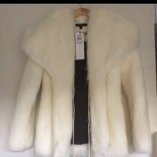 New!! Charlie Brown Faux Fur White Jacket