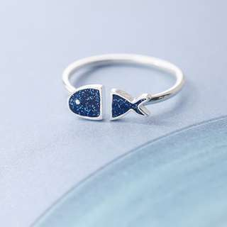 Cute fish shape ring (adjustable size)