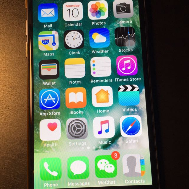 128 GB iPhone 6 In Mint Condition