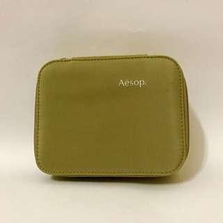 ☆國泰航空Aesop頭等艙過夜空包-鵝黃色Cathay Pacific Aesop Amenity Bag