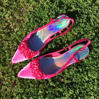 Pink satin point kitten heels