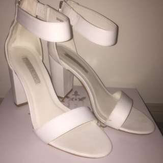 Pied A Terre White Heels