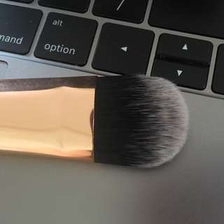 Real Techniques Foundation Brush 化妝掃
