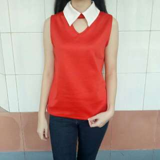 RED COLLAR TOP