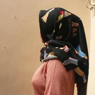 Hijab Motif Wolycrepe Premium Murah Hitam