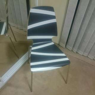6x Wooden Dining Table Chairs (B&W Print)