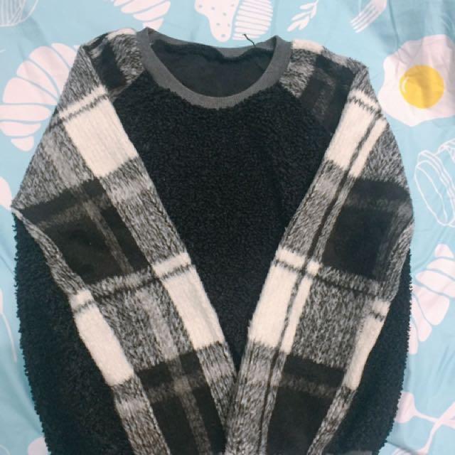 黑白格紋毛衣