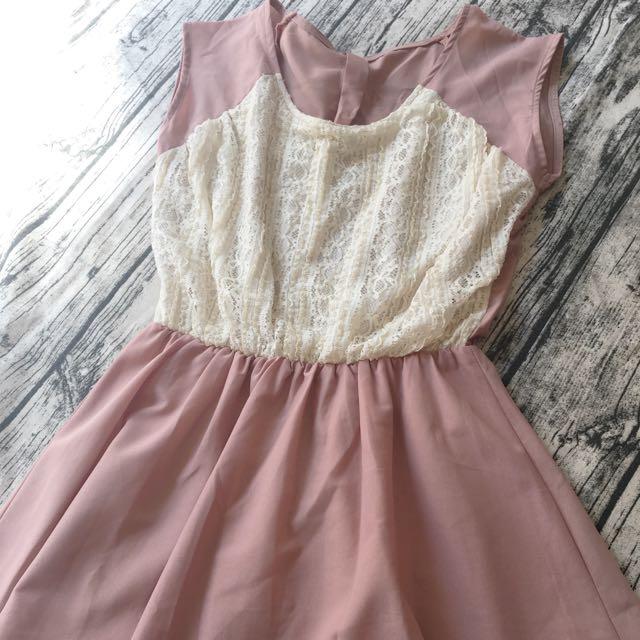 🎀蕾絲縮腰洋裝 🎀8-9成新 🎀L號可穿 🎀目視🈚️污,#高標請繞道 🎀🉑️蝦皮,🉑️PC下單