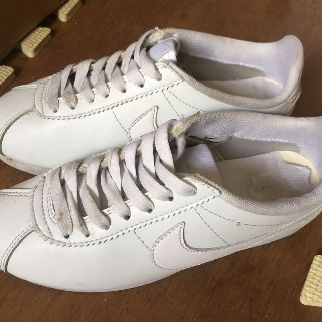 天使白阿甘鞋 Nike