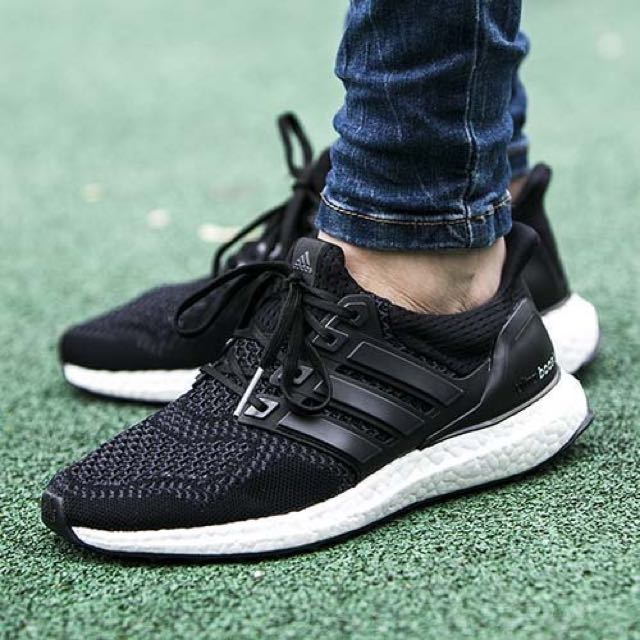 ultra boost black 1.0