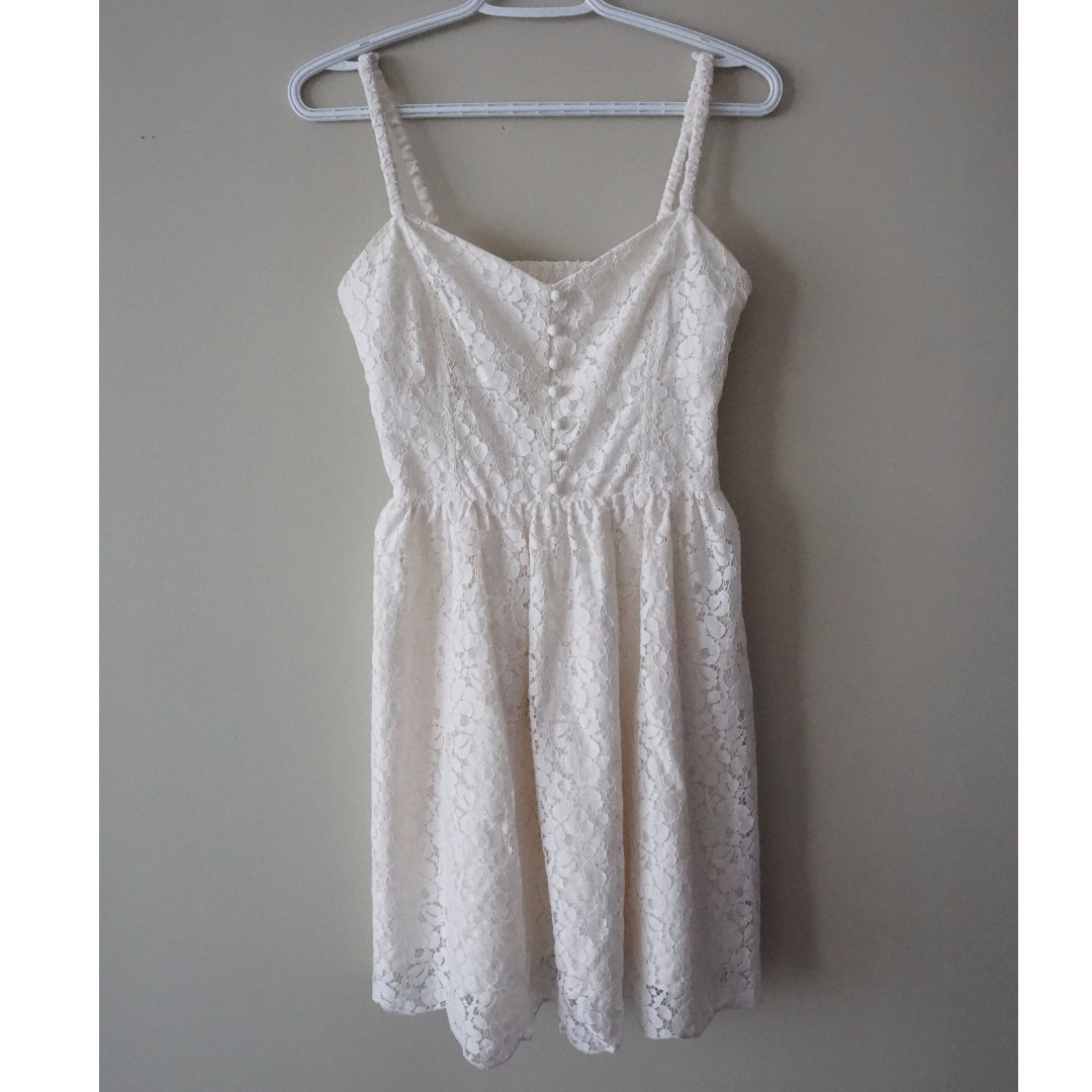 ARITZIA Summer Strapless Lace Dress