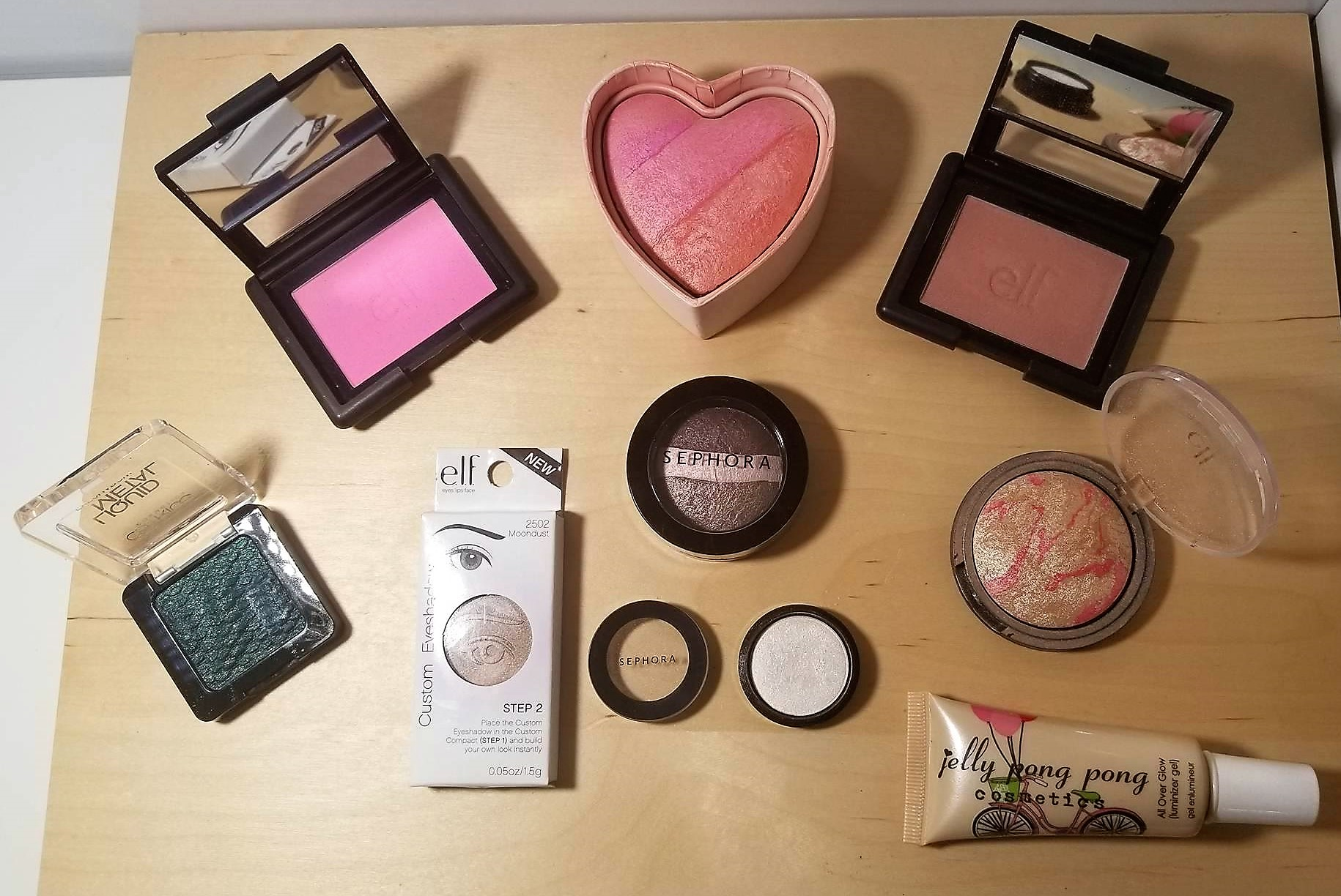 blush on, eye shadows and more...