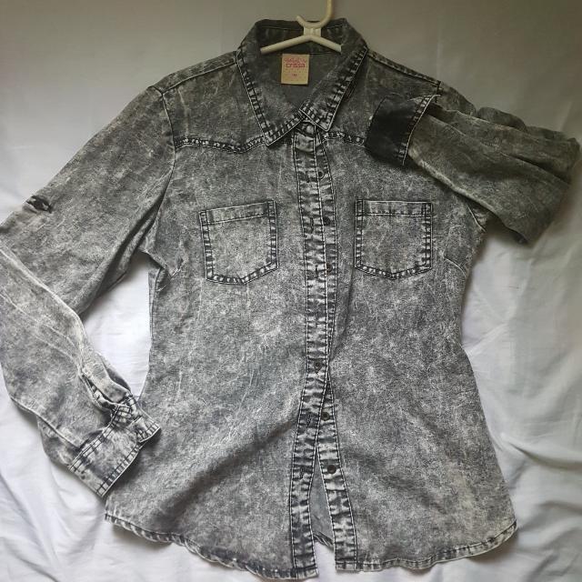 CRISSA Long Sleeve Collared Shirt