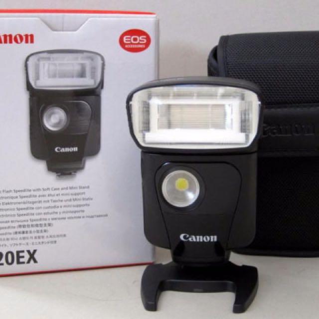Flash Speedlite 320 EX (includes Free diffuser)