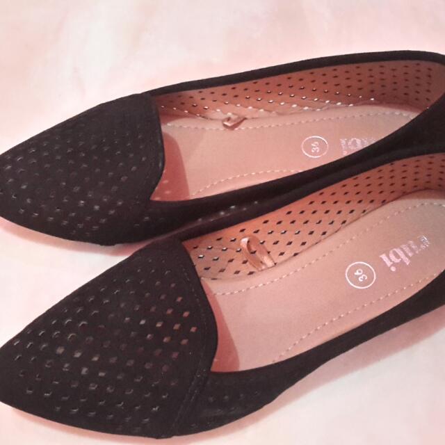 Flatshoes Hitam Rubi