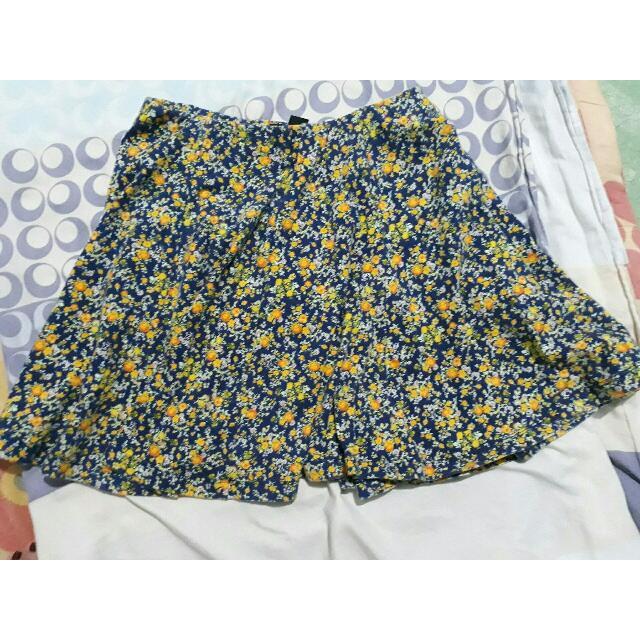 👒Forever21 Floral Skirt
