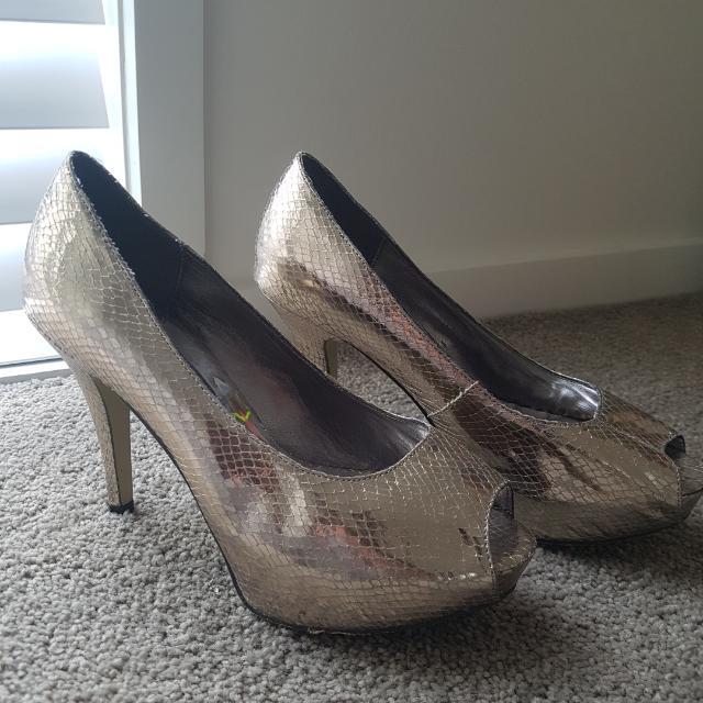 Forever New Gold Platform Peep Toe Heels Size 7/38