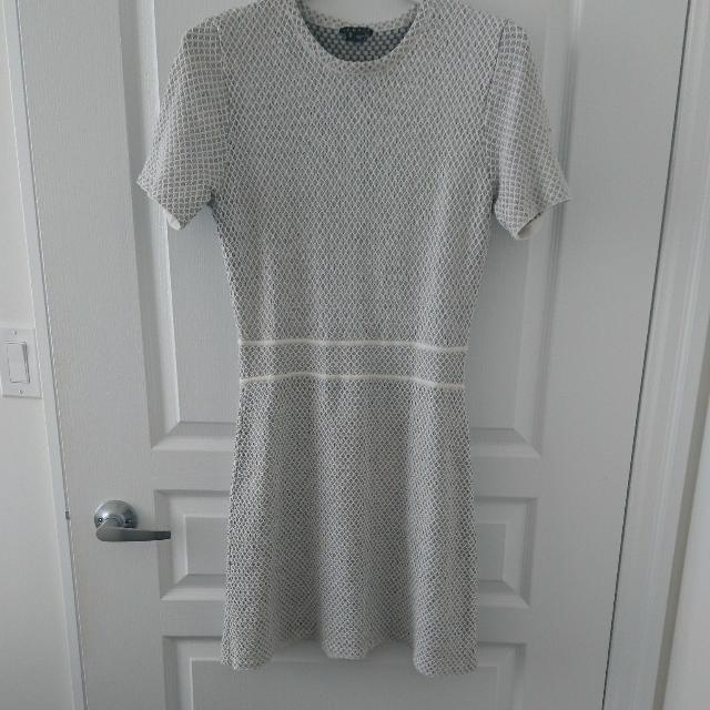 Grey And White Knit Theory Dress Size M