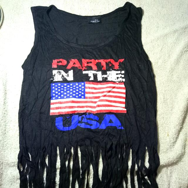 Hanging Croptop Party In The USA (Rue21)