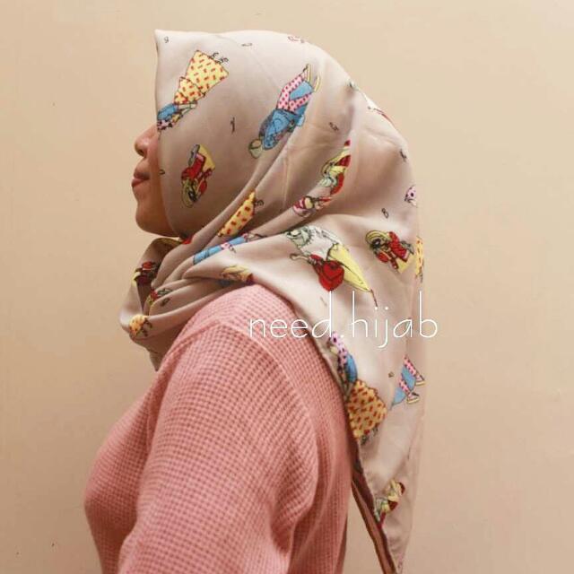 NEW! Hijab Motif Wollycrepe Premium Cream