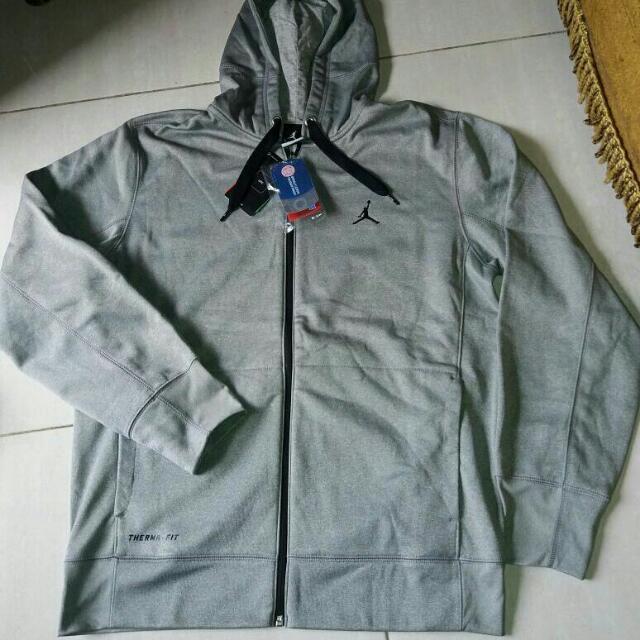 f1fccee93fb722 jaket nike air jordan original therma fit size XXL