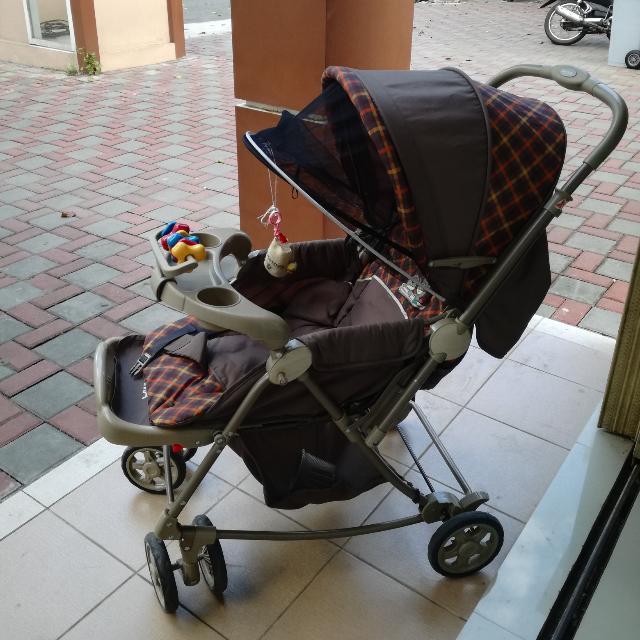 Kereta Bayi Baby Does