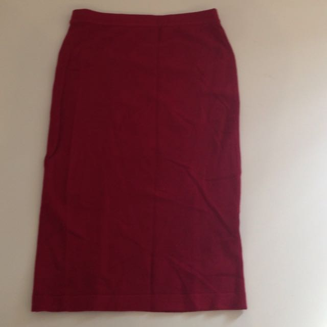 Knee length band skirt