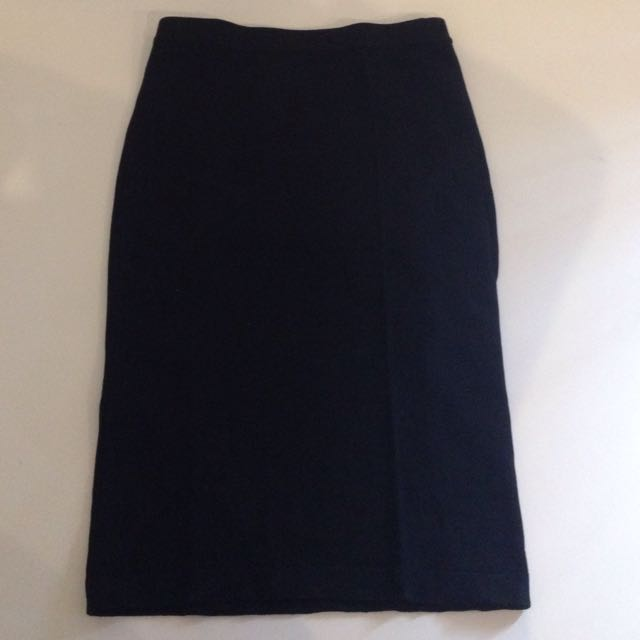 knee length black band skirt