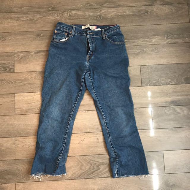 Levi Frayed Jeans