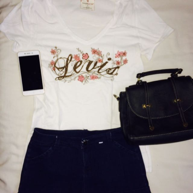 Levis White Top