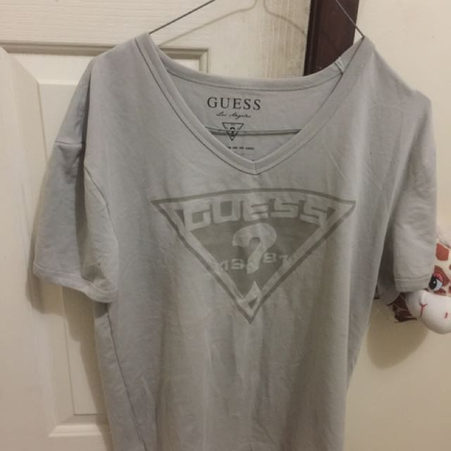 Men's V Neck Guess Tshirt
