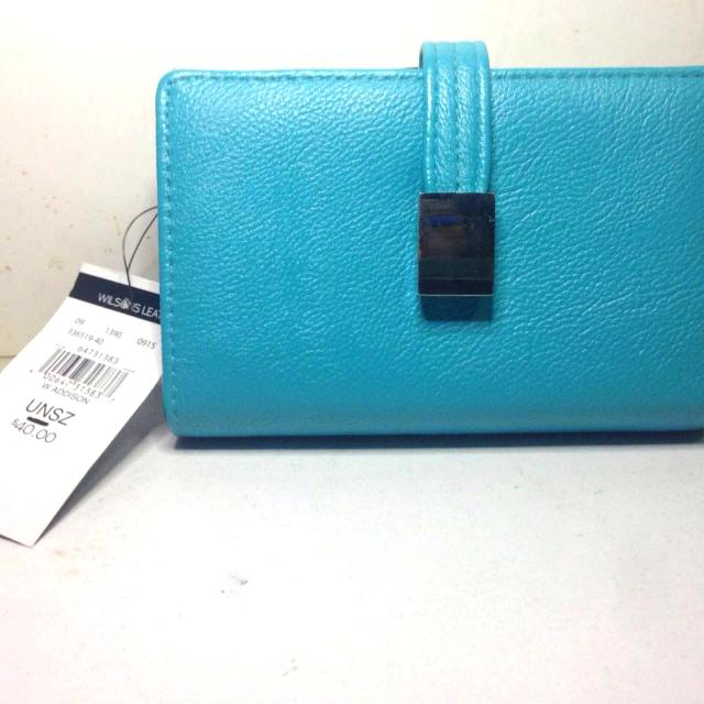 NWT Authentic Wilson Leather Wallet