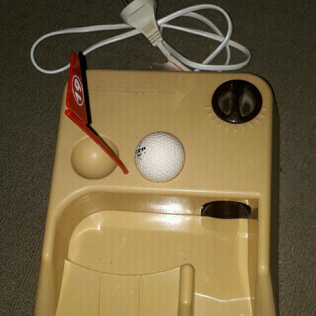 Powered Golf Putting Machine