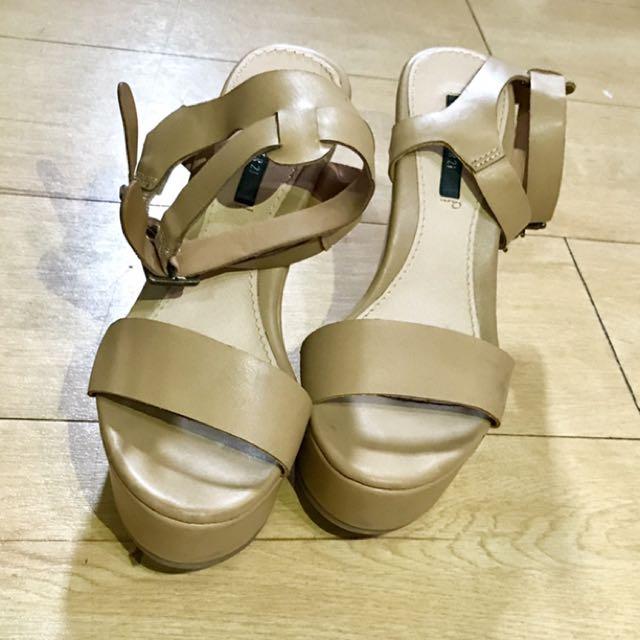 Preloved Wedge Sandals
