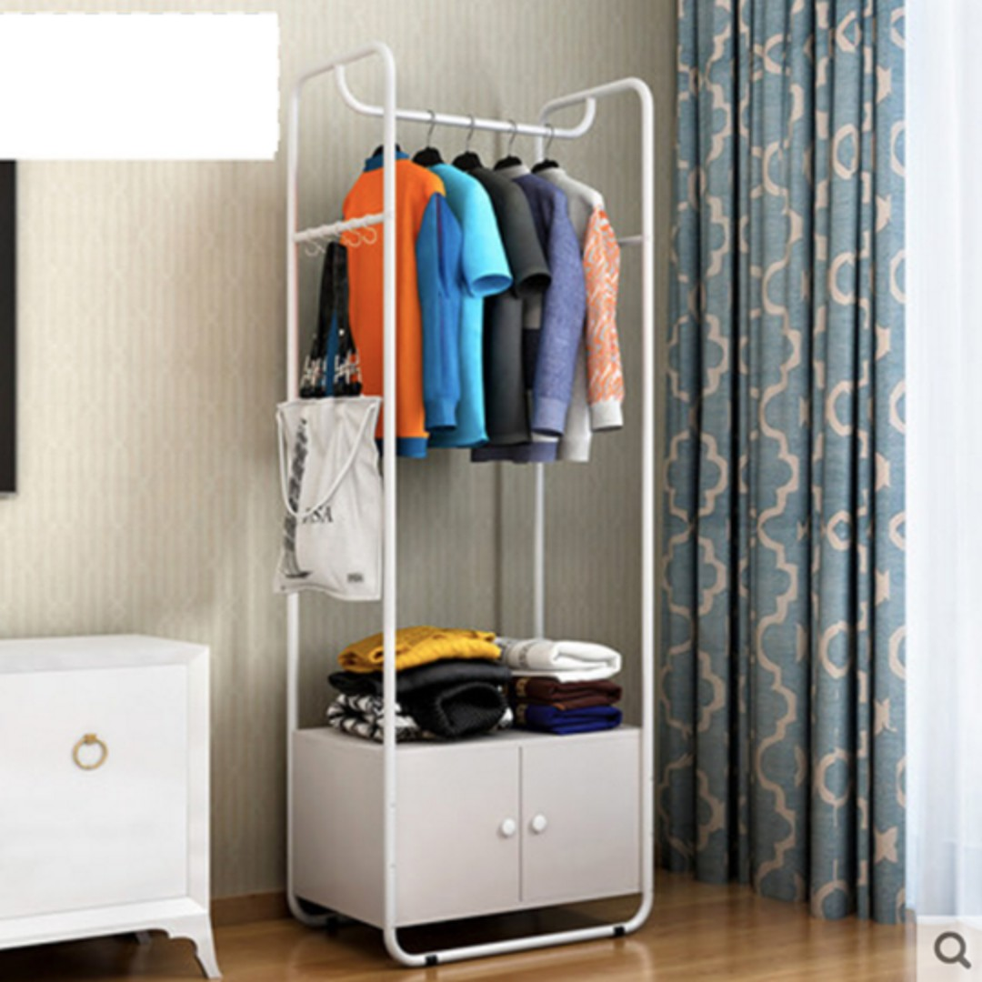 Simple and Neat Clothing Hanger with Cabinet